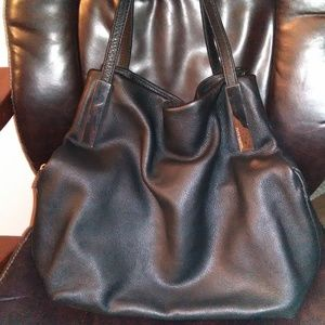 VINCE CAMUTO Ike Black purse